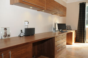 bespoke-fitted-home-office-furniture