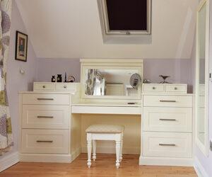 Bespoke shaker style bedroom