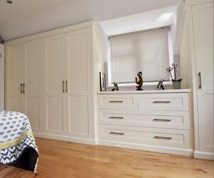 Shaker bedroom suite