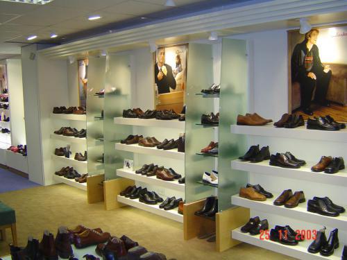 bespoke-retail-furniture-1