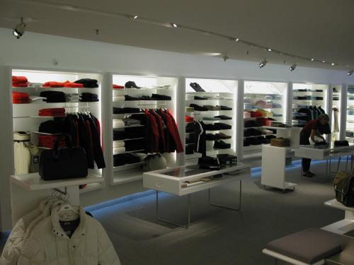 bespoke-retail-furniture-2