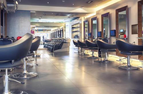bespoke-retail-furniture-4